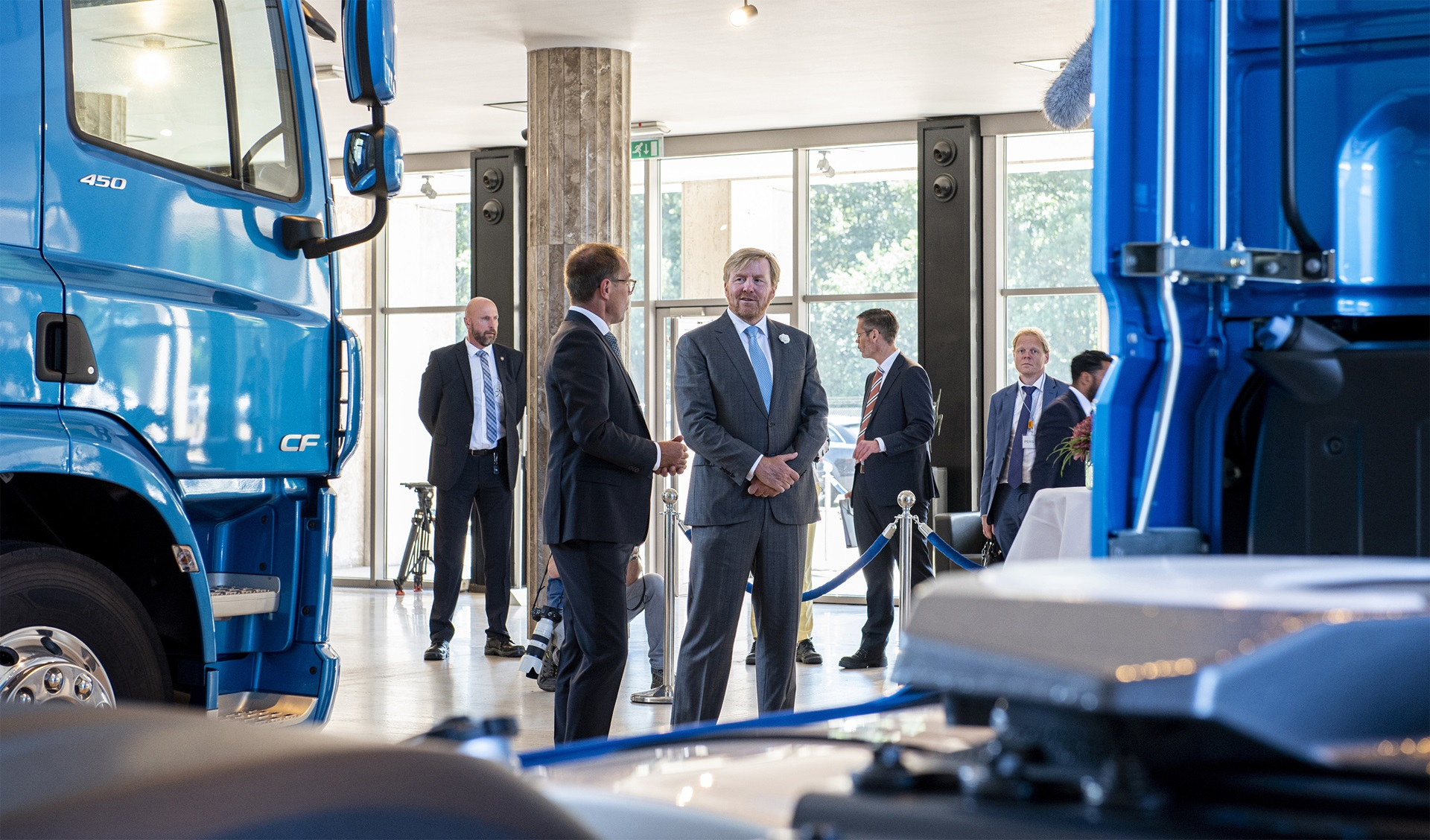 The-Dutch-King-Willem-Alexander-visits-DAF-Trucks-02