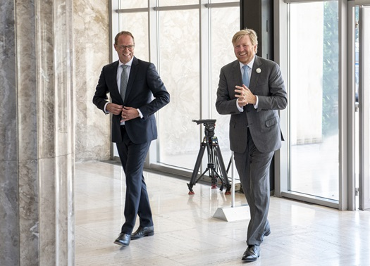 The-Dutch-King-Willem-Alexander-visits-DAF-Trucks